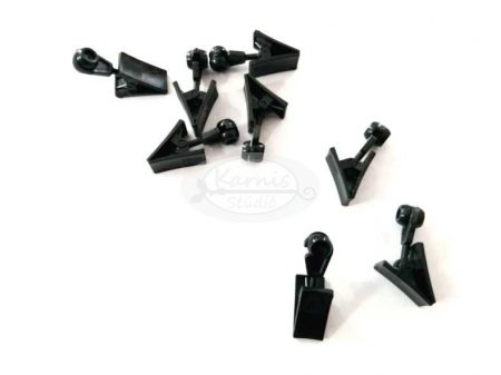 Fekete műanyag görgő csipesszel mennyezeti sínhez (20 db/cs.)