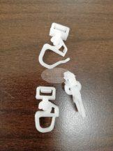 Fehér műanyag klikk csúszka kampóval 25 db/cs.